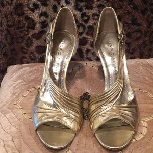 Marc Fisher gold heels, 7M